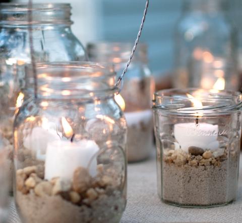 21 id es de d co de mariage avec des pots en verre de r cup 39 mon mariage pas cher. Black Bedroom Furniture Sets. Home Design Ideas