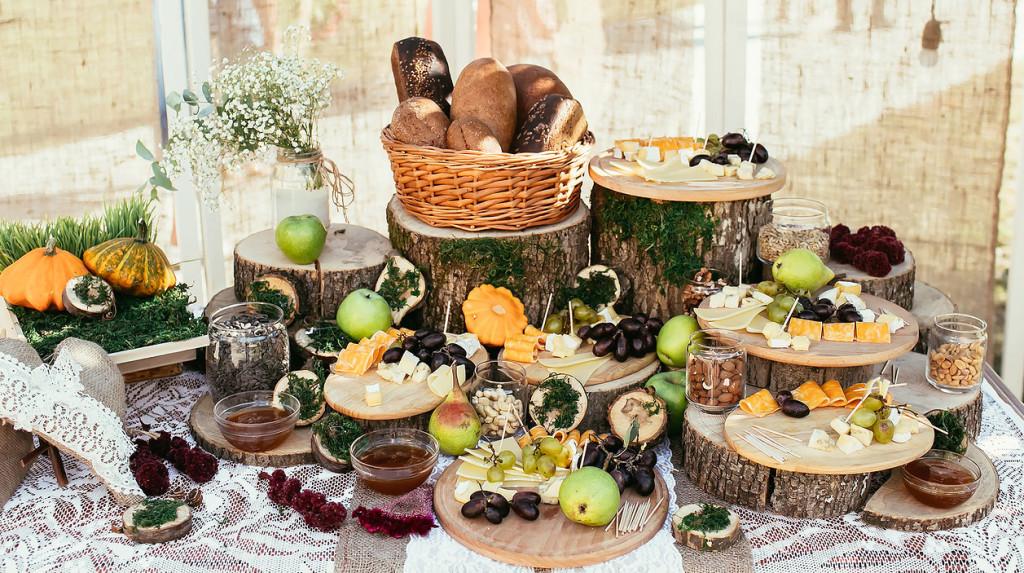 12 id es pour un joli buffet de mariage fait maison mon mariage pas cher - Idee deco buffet mariage ...
