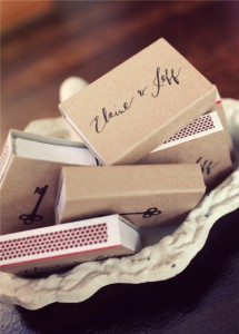 diy-wedding-favor-matchbooks