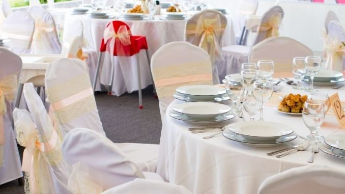 comment bien préparer sa salle de mariage ?