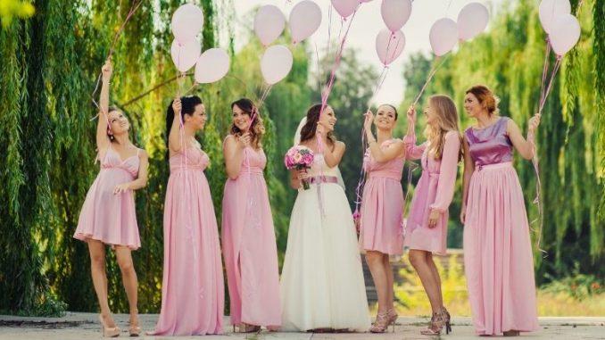 Demoiselles Honneur se sentent spéciales au mariage